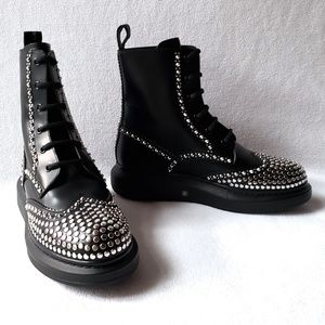 Alexander McQueen Studded Leather Ankle Boots 39